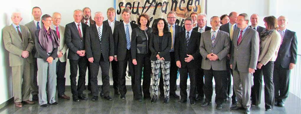 Foto mit Kulturministerin und ALLviN-Mitgliedern nach Unterzeichnung Zielvereinbarung 22.9.2014